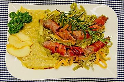 Lammfilets im Baconwickel mit Apfel - Wacholder - Püree