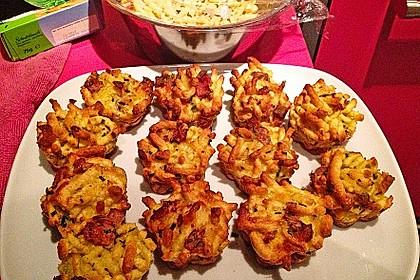 Spätzle - Muffins mit Salat (Bild)