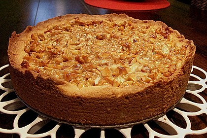 Apfelkuchen mit Walnusscreme 8