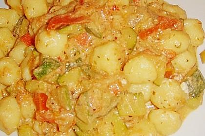 Gnocchi - Zucchini - Pfanne mit Schafskäse 86