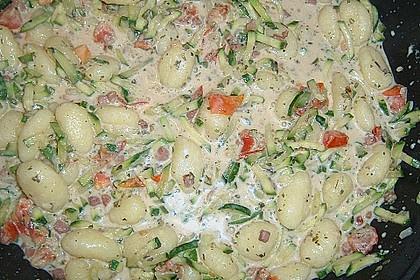 Gnocchi - Zucchini - Pfanne mit Schafskäse 41