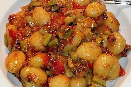 Gnocchi - Zucchini - Pfanne mit Schafskäse 10