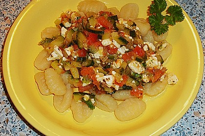 Gnocchi - Zucchini - Pfanne mit Schafskäse 23
