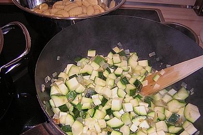 Gnocchi - Zucchini - Pfanne mit Schafskäse 81