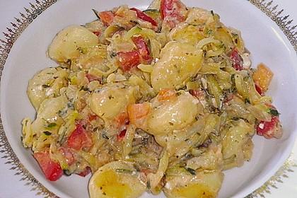 Gnocchi - Zucchini - Pfanne mit Schafskäse 22
