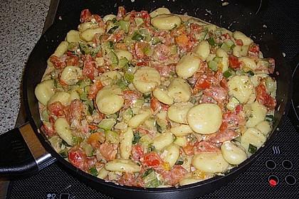 Gnocchi - Zucchini - Pfanne mit Schafskäse 66