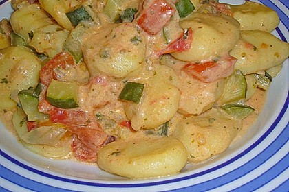 Gnocchi - Zucchini - Pfanne mit Schafskäse 30