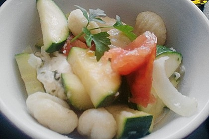 Gnocchi - Zucchini - Pfanne mit Schafskäse 76