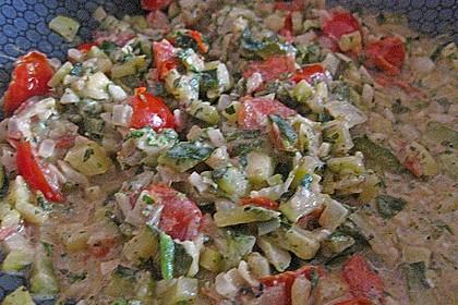 Gnocchi - Zucchini - Pfanne mit Schafskäse 55