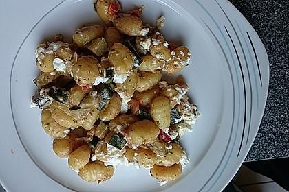 Gnocchi - Zucchini - Pfanne mit Schafskäse 77