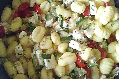 Gnocchi - Zucchini - Pfanne mit Schafskäse 53