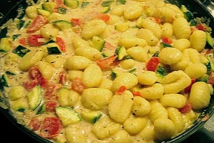 Gnocchi - Zucchini - Pfanne mit Schafskäse 84
