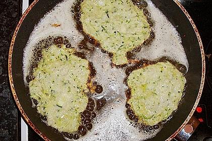 Zucchini-Reibekuchen 29