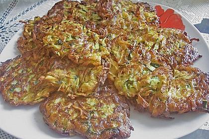 Zucchinipuffer mit Schafkäse - Dip 6