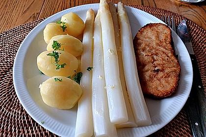 Spargel mit Schweineschnitzel Wiener Art und Kartoffelbrei (Bild)