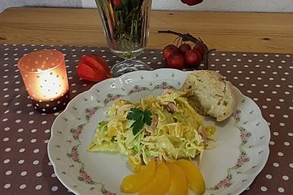 Eisbergsalat mit Curry - Dressing
