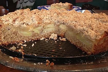 Saftiger Apfelkuchen mit Mandel - Zimt - Streuseln 6
