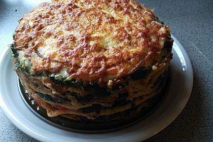 Pfannkuchen-Torte mit Spinat und Käse 6