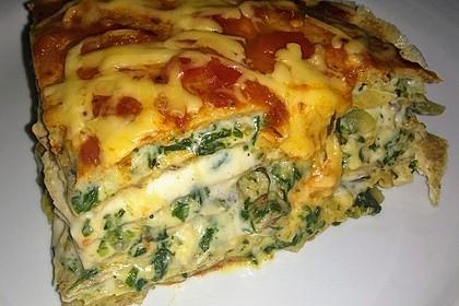 Pfannkuchen-Torte mit Spinat und Käse 4