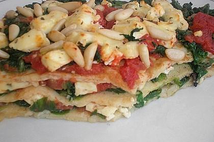 Pfannkuchen-Torte mit Spinat und Käse 33