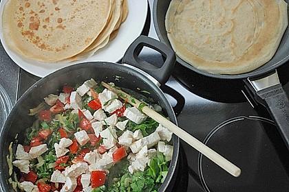 Pfannkuchen-Torte mit Spinat und Käse 21