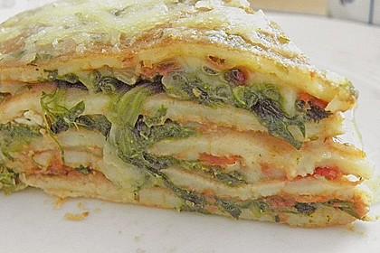 Pfannkuchen-Torte mit Spinat und Käse 17