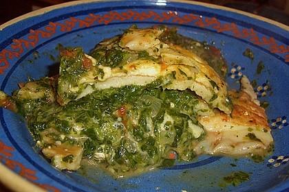 Pfannkuchen-Torte mit Spinat und Käse 31