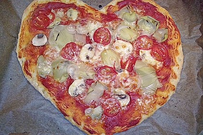 Knusprig dünne Pizza mit Chorizo und Mozzarella 16