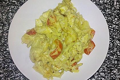 Gebratene Nudeln mit Hähnchen in Ananas - Kokos - Sauce