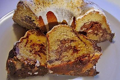 Quark - Bananen - Marmor - Gugelhupf 12