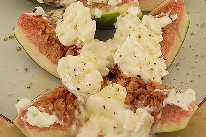 Feigen mit Käse und Honig 12