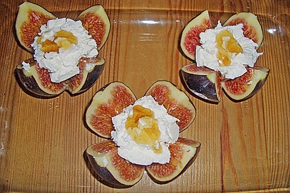 Feigen mit Käse und Honig 16