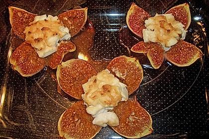 Feigen mit Käse und Honig 15