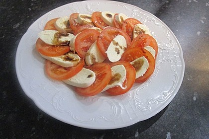 Mozzarella - Tomaten - Salat 33