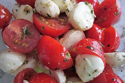 Mozzarella - Tomaten - Salat 30