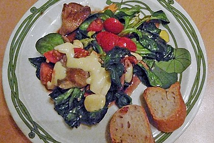 Überbackener Mozzarella auf Feldsalat 1