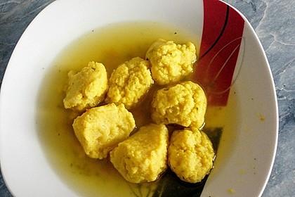 Grießklößchensuppe mit Petersilie 9