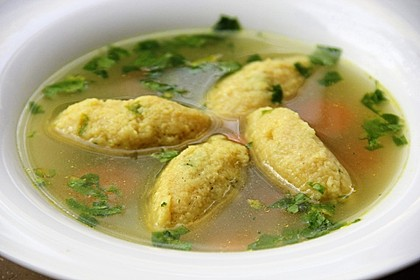 Grießklößchensuppe mit Petersilie 1