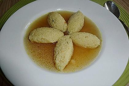 Grießklößchensuppe mit Petersilie 8