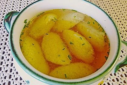 Grießklößchensuppe mit Petersilie 3