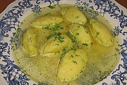 Grießklößchensuppe mit Petersilie 12