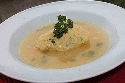 Grießklößchensuppe mit Petersilie 13