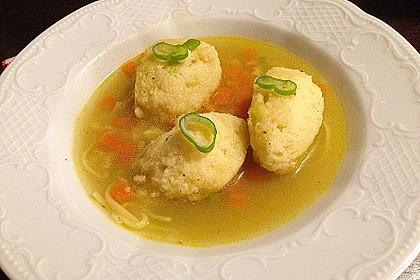 Grießklößchensuppe mit Petersilie 10