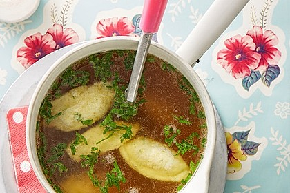 Grießklößchensuppe mit Petersilie