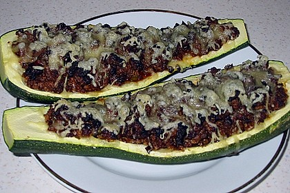 Gefüllte Zucchini 83