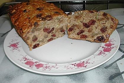 Apfelbrot mit getrockneten Cranberries 5