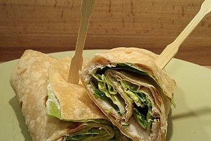 Wraps mit Preiselbeerfrischkäse und geräucherter Putenbrust (Bild)