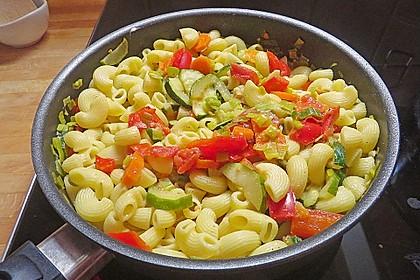 Bunte Gemüse-Nudel-Pfanne 1
