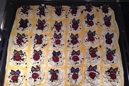 Kirsch - Eierlikör - Blechkuchen mit Schmand - Sahne 11