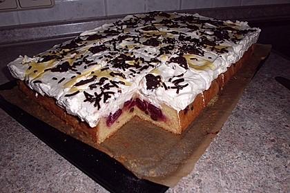 Kirsch - Eierlikör - Blechkuchen mit Schmand - Sahne 21